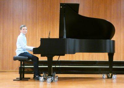 Nicolas Mec, klavir, 3. o. (nastavnica Valentina Iveljić)