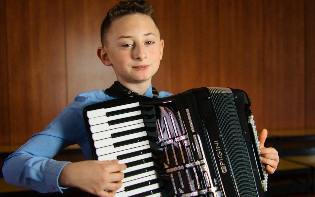 Druga nagrada za mladoga harmonikaša